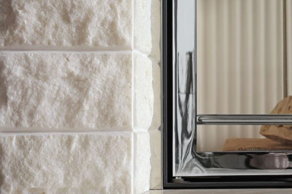 marmorkamin 1 17 3 detail3 600x400 - Mramorový krb 1/17.3